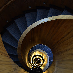 spiral staircase 1.jpg