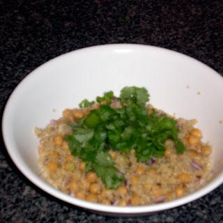 Lemon Scented Quinoa Salad with Garbanzo Beans