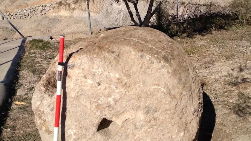La contrapesa de almazara romana recuperada.