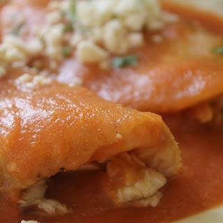 Entomatadas De Pollo (Chicken Entomatadas) Recipe