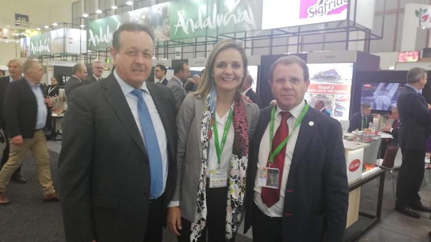 Juan Cano, Maribel Sánchez y Jerónimo Parra.