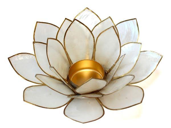 Ljuslykta vit/naturell lotusblomma