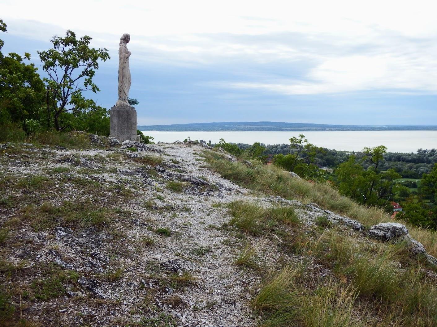 Gyenesdiás - Szűz Mária-szobor a Keselő-hegyen