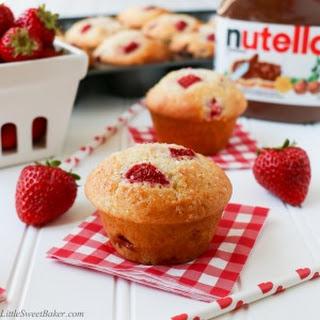 Nutella Stuffed Strawberry Muffins