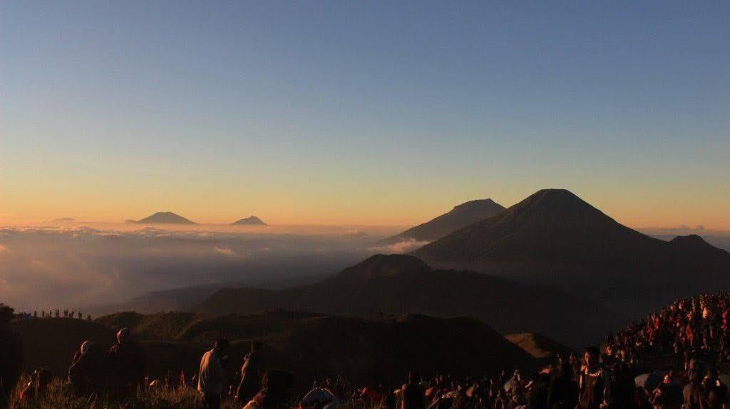 Pagi hari di Gunung Prau