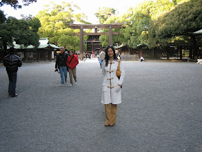 Photo: Visiting a Japanese Temple