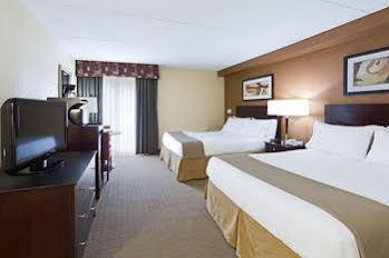 Holiday Inn Express and Suites Ft Lauderdale N Exec Airport