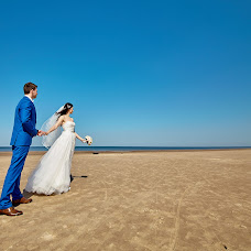 Wedding photographer Igor Ustinov (ustinov). Photo of 18.04.2018