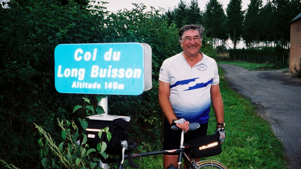 Photo: Col du Long Buisson (Nord) - 145 m le 7 septembre 2003