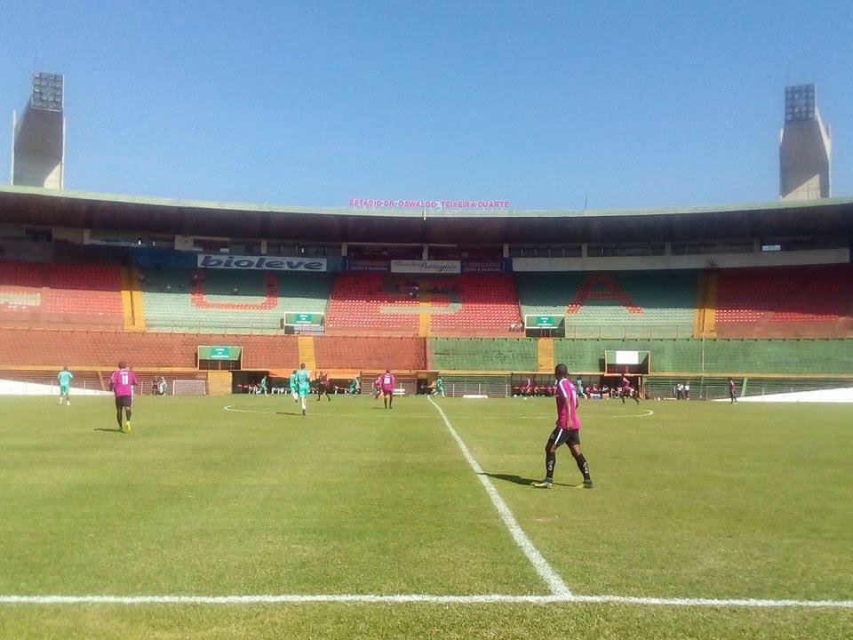 A imagem pode conter: estádio e atividades ao ar livre