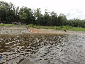Photo: Ляпин. Рыбаки огромной сетью 200-300м с лебедкой тралят все подряд.