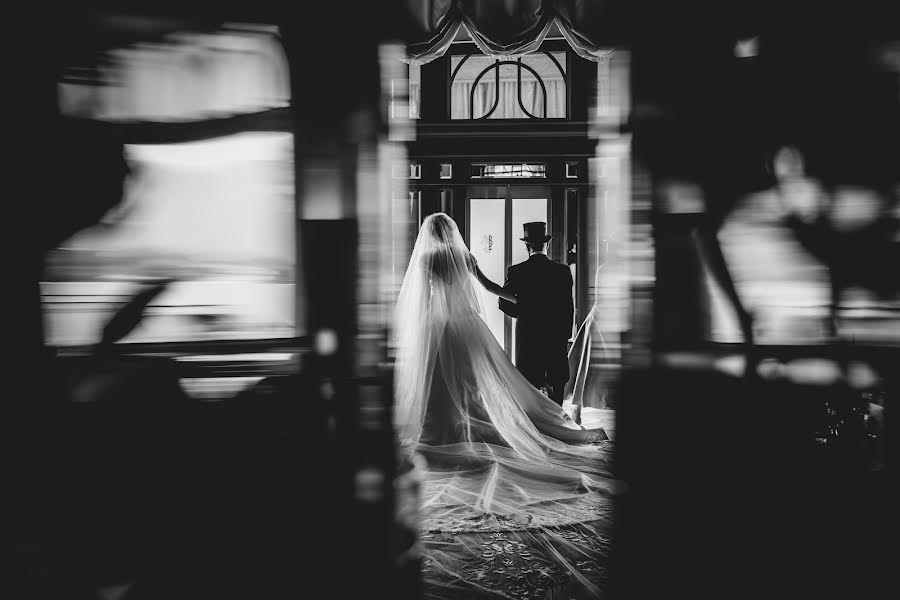 Wedding photographer Cristiano Ostinelli (ostinelli). Photo of 01.11.2017