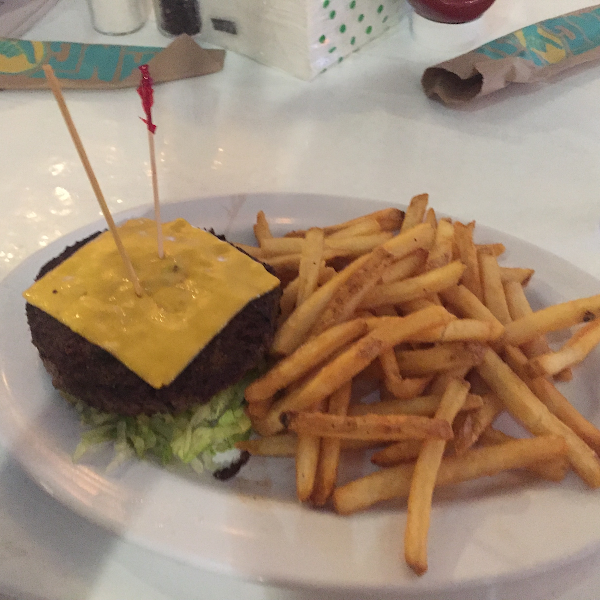 We asked for bunless burgers & fries in the dedicated fryer. Not marked as an option on the menu but we did not get sick.