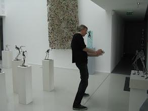 Photo: Laurent VIGNAIS et ses sculptures