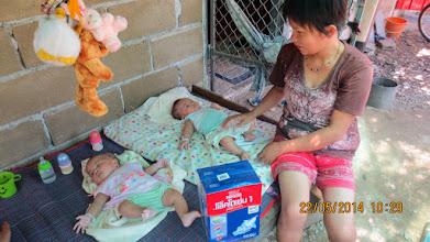 Photo: Sanpathong baby twins Fah and Fon