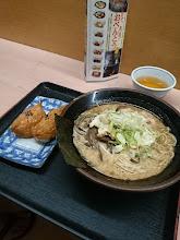 Photo: 帰りは、「お弁当のヒライ」で食事。 ・・・只今、朝4時半。