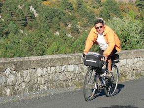 Photo: Emile apprécie de retrouver, son vélo, la route et les amis
