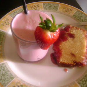 Strawberry Cake with Strawberry Jam