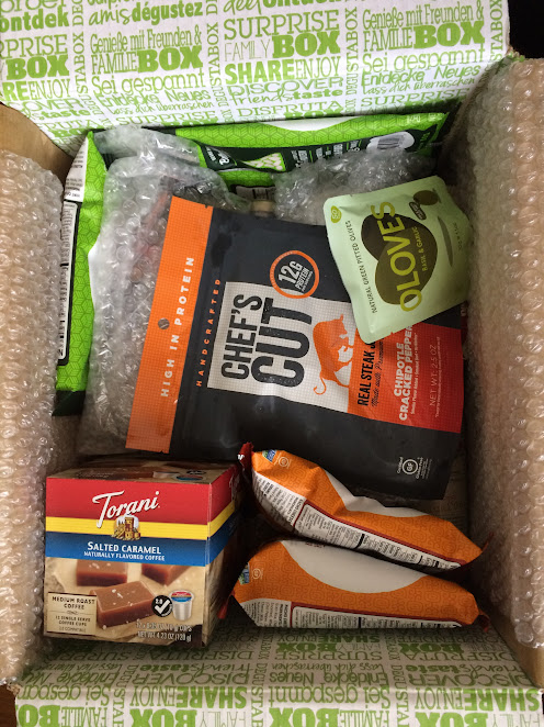 Snacks, pantry items, beverages, and sweets are all included in the Degustabox!