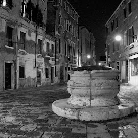 Campo dei Mori by Cal Brown - Black & White Street & Candid ( square, venice, black and white, italy, night photography )