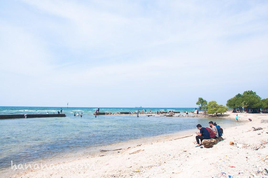 pantai sakura pulau untung jawa, pantai pasir putih untung jawa