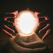 Crystal ball : Discover your future