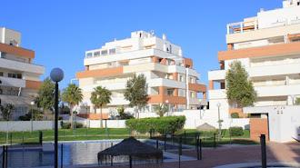 Zonas comunes de un residencial de Roquetas de Mar.