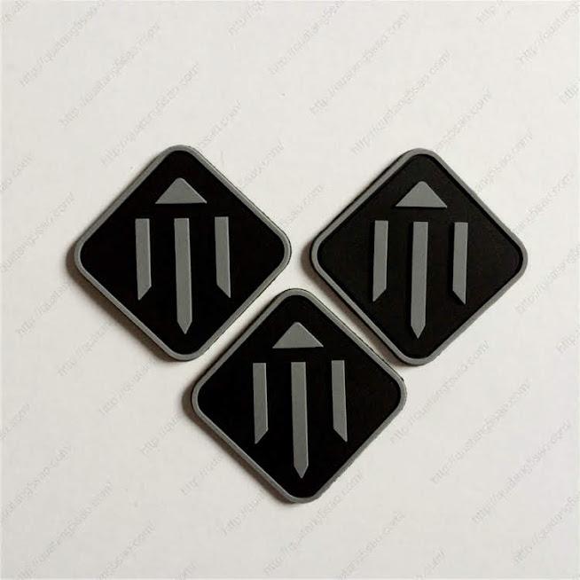 Logo cao su - xưởng sản xuất logo áo đồng phục bằng cao su