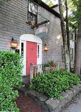 Photo: Seven Sea Street Inn, jossa asuimme