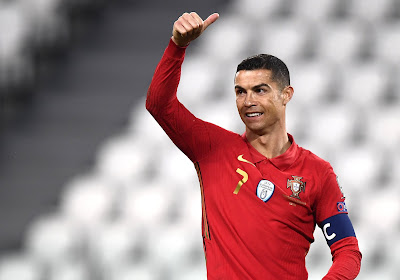 Le brassard jeté par Cristiano Ronaldo vendu aux enchères pour une bonne cause