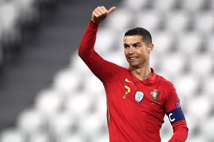 Aanvoerdersband van Cristiano Ronaldo verkocht voor 64.000 euro: opbrengst gaat naar kind met zeldzame spierziekte
