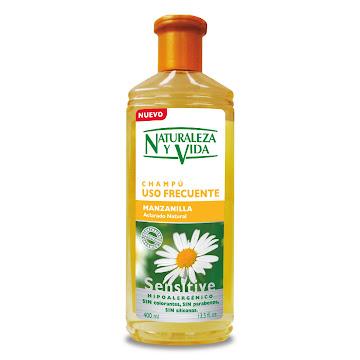 Shampoo NATURALEZA Y   VIDA Uso Frecuente Sensitive Manzanilla x400Ml