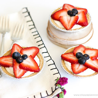 5-Minute Strawberry No-Bake Cheesecakes