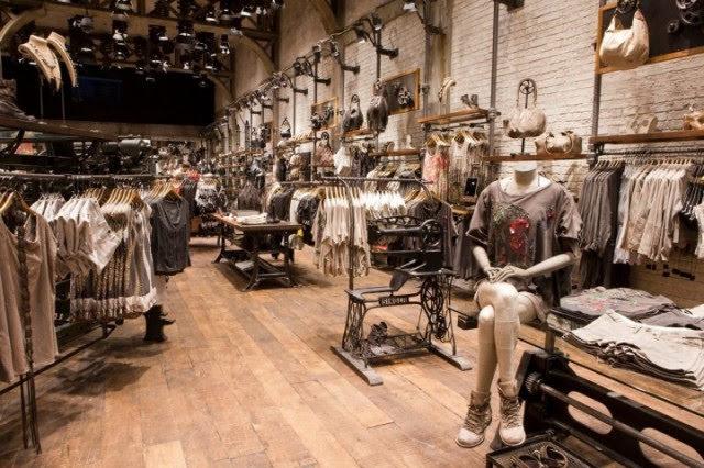 thiết kế shop phong cách công nghiệp