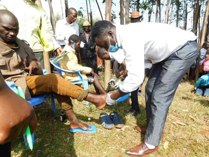 A man in his mid-40s receives treatment at Ngokoro in Marani, Kitutu Chache North, where more than 15 households are suffering from jigger infestations