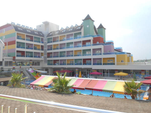 The Colours Side Hotel