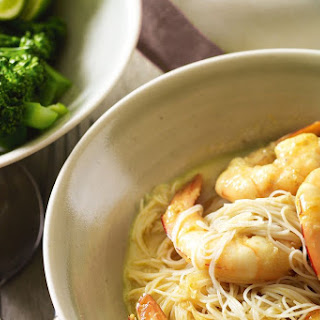 Vermicelli With Green Curry Prawns.