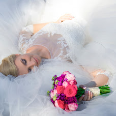 Wedding photographer Vika Sterkhova (Sterkhova). Photo of 05.05.2015