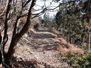 林道出合(左の小谷へ)