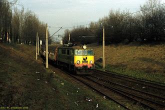"""Photo: EU07-463, P """"Mamry"""" Ełk - Wrocław Główny {Toruń, """"wąwóz kolejowy""""; 2002-02-05}"""