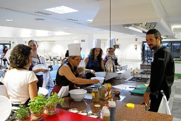 Inaugurada la escuela de hosteler a - Escuela de cocina vegetariana ...