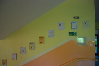 Photo: Między I a II piętrem. Dyplomy i wyróżnienia naszych uczniów.