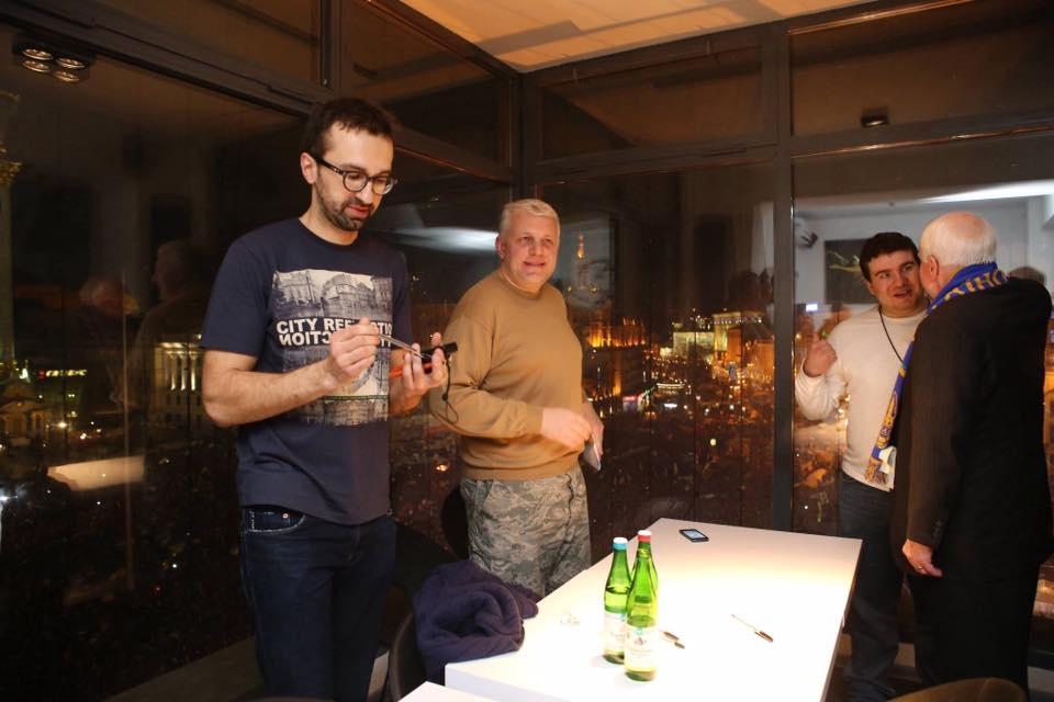Теліженко, сентаор Маккейн, народний депутат Лещенко та журналіст Шеремета. Джерело: Facebook Теліженка