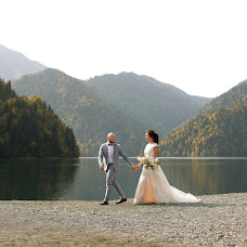 Wedding photographer Pavel Shuvaev (shuvaevmedia). Photo of 07.11.2017