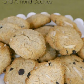 Low Carb Chocolate and Almond Cookies.