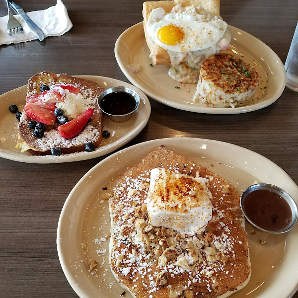 breakfast pot pie in back is not gluten free gluten free French toast is really good...GF hot chocolate pancakes are outstanding!