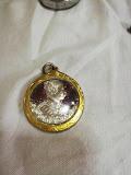 เหรียญเงินเลี่ยมทองร.5 หายาก