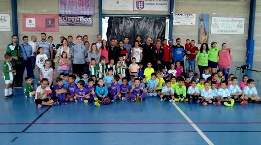 La Villa de Fines realiza a lo grande la 9ª concentración del fútbol bebé