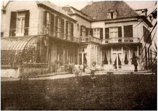 """Photo: 1902  In dit """"Huize Mertersem"""" aan de Haagweg heeft de fam. Vincent van Gogh gewoond.  Deze (Vin)""""Cent"""" is in 1888 overleden en was de oom van kunstschilder Vincent.."""