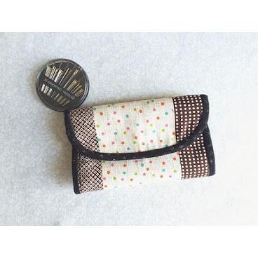 銀包系列👛 🎌和風併布🎌 有拉鍊袋又有放卡位置 就可以將所有紙幣、散銀丶卡… 一次過放落銀包入面😙 HKD250 Whatsapp📞: 96265492 #AC小手作 #銀包